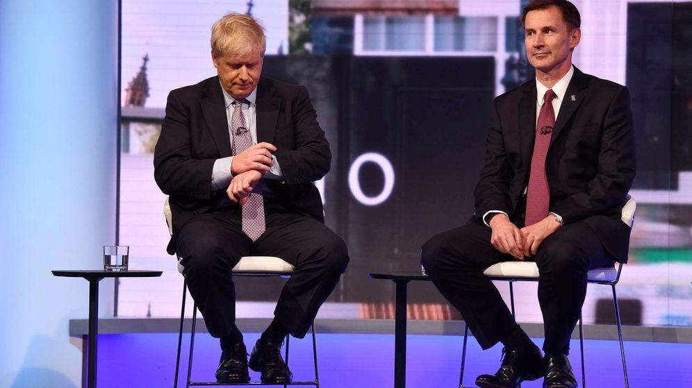 Foto: Boris Johnson y Jeremy Hunt en un debate televisivo. (EFE)