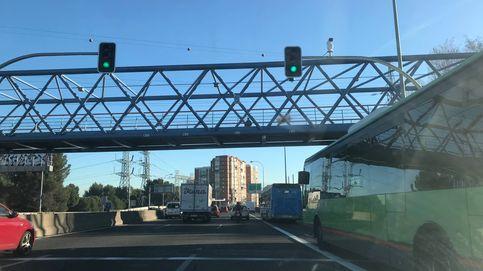 Semáforos de la A-5: atascos, gana el autobús y pierden las ciudades vecinas