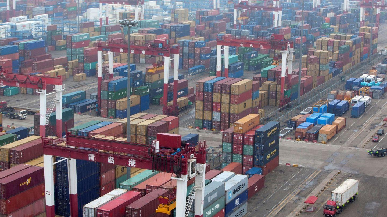Puerto de Qingdao, una de las infraestructuras clave para el comercio chino. (EFE)