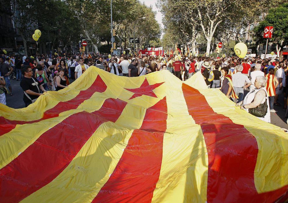 Foto: Manifestación independentista celebrada con motivo de la fiesta Nacional de Cataluña. (EFE)
