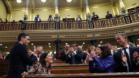 Pedro Sánchez recupera su antiguo escaño durante la moción de censura