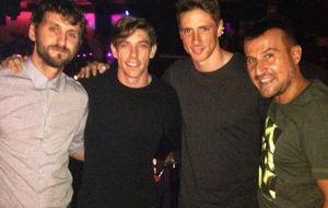 Fernando Torres aprovecha su visita a España para disfrutar de la noche madrileña