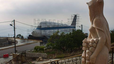 ¿Vivirías en una mansión en forma de avión? La ciudad de las villas excéntricas del Líbano