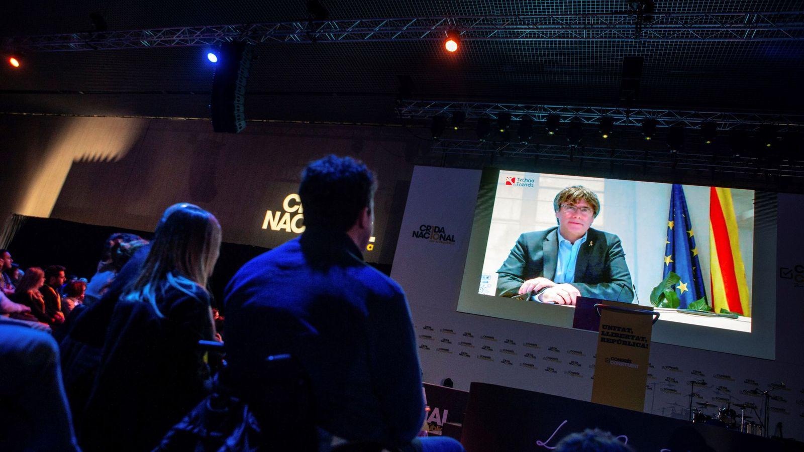 Foto: Discurso televisado de Puigdemont en el acto de clausura de la Crida. (EFE)