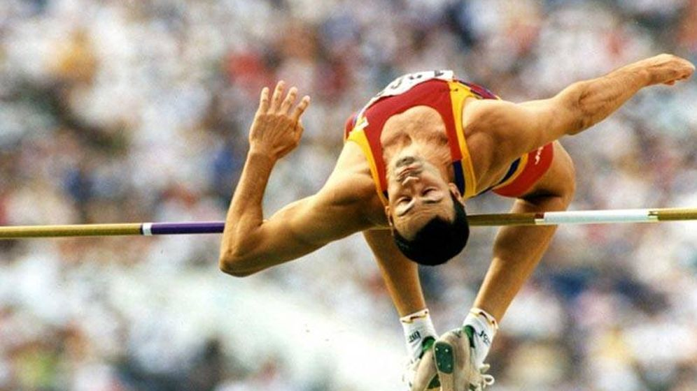 Foto: Antonio Peñalver compitiendo en salto de altura.