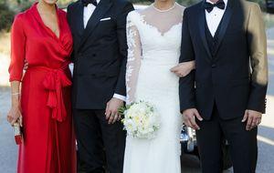 El hermano de Sergio Ramos da el 'sí, quiero' a Vania Millán