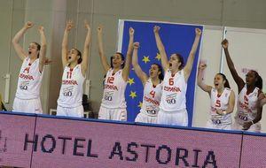 España supera con solvencia a Polonia y luchará por las medallas