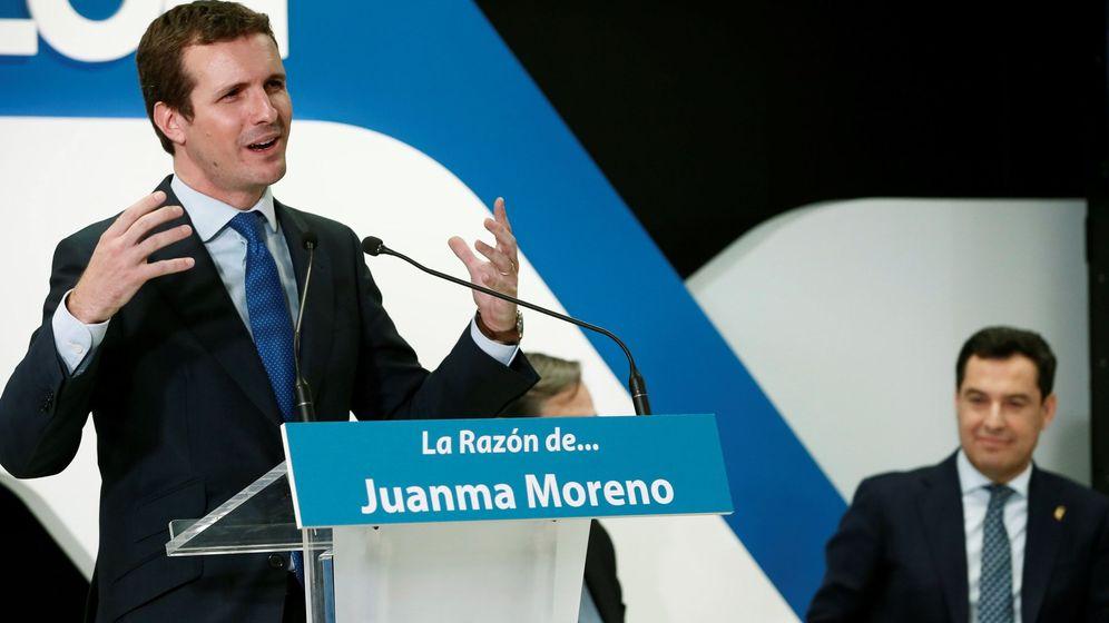Foto: Pablo Casado, junto a Juanma Moreno. (EFE)