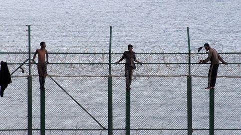 155 inmigrantes saltan la doble valla de Ceuta en la primera incursión en grupo en un año