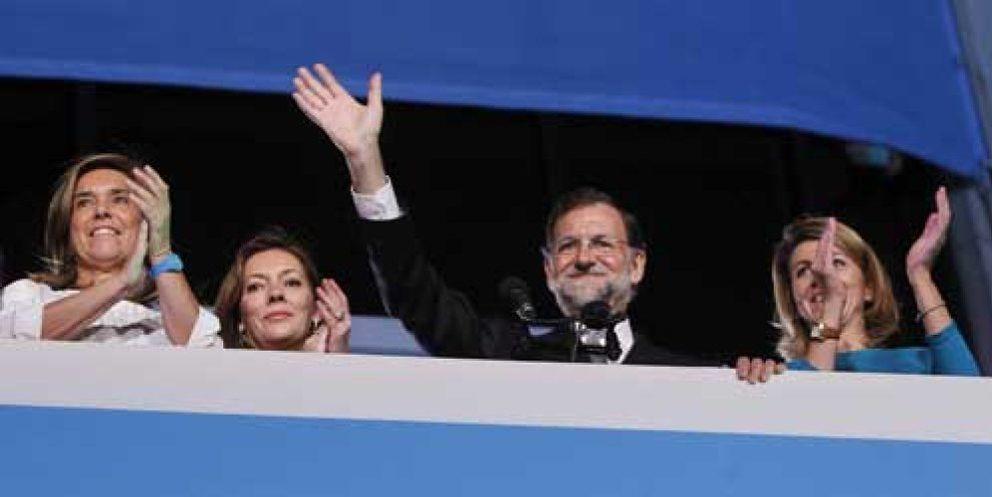 Foto: Rajoy gana con mayoría absoluta y Rubalcaba no evita la peor debacle del PSOE