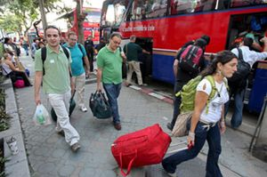 Los turistas españoles bloqueados en Bangkok serán repatriados hoy