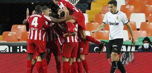 Post de La insistencia del Atlético tiene premio gracias a la mala fortuna del Valencia (0-1)