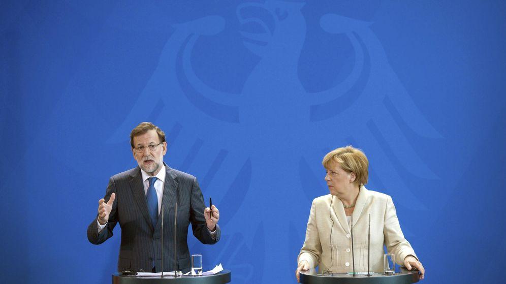 Foto: El presidente del Gobierno español, Mariano Rajoy, y la canciller alemana, Angela Merkel. (EFE)