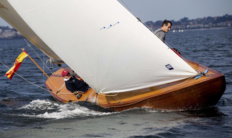 Foto: Las fotos del Rey Juan Carlos navegando por primera vez con el nuevo 'Bribón' en Pontevedra