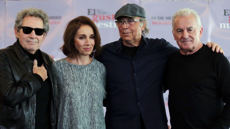 Miguel Ríos, Ana Belen, Joan Manuel Serrat y Víctor Manuel, en la presentación en Chile de 'El Gusto es Nuestro 20'. (EPA)