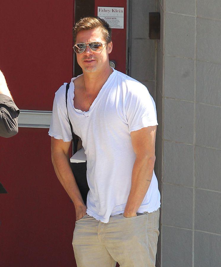 Brad Pitt Se Tatua Las Iniciales De Angelina Jolie En El Brazo