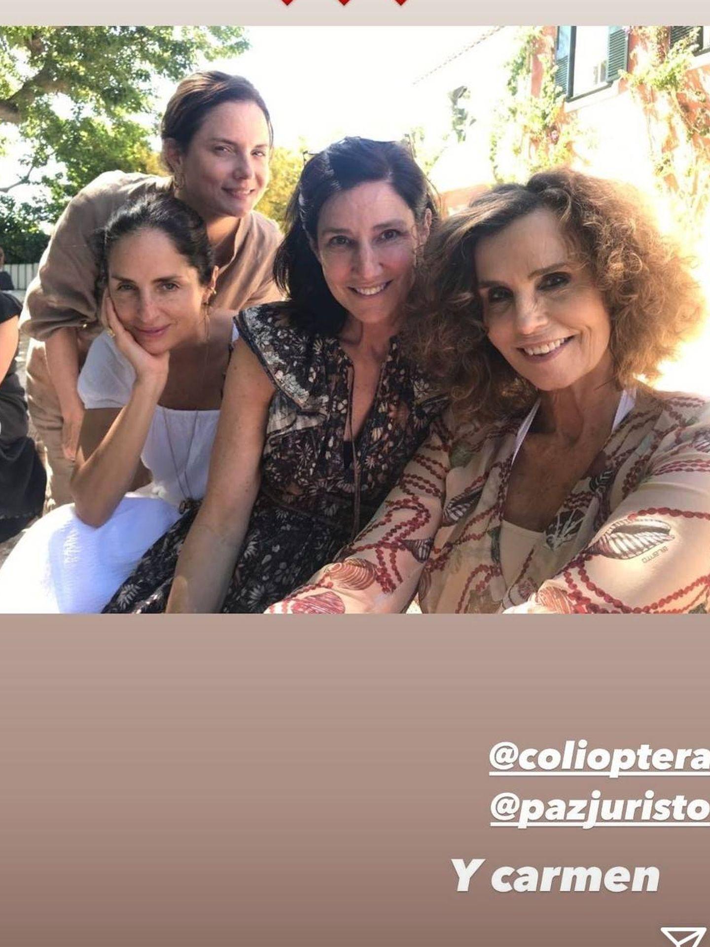 Bárbara Pan de Soraluce, junto a Carolina Adriana Herrera y otras amigas durante el viaje. (Redes sociales)