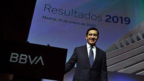 Torres enfila su primer gran plan de despidos en BBVA tras prejubilar a 4.400 empleados