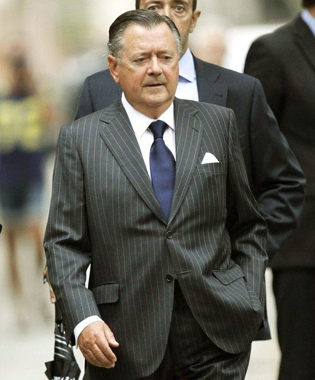 Foto: Alfredo Sáenz, asistiendo al funeral de Emilio Botín. (EFE)