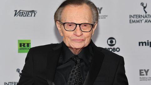 El presentador Larry King, continua hospitalizado en Los Ángeles por coronavirus