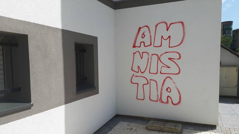 Pintada en Hernani a favor de la amnistía.