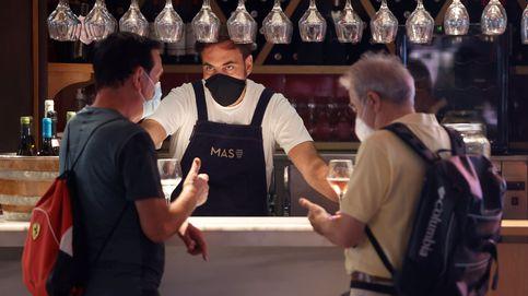 Peligro en el interior de bares y restaurantes: por qué multiplica el riesgo de contagio