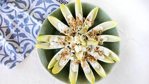 El vídeo de un gran aperitivo: endibias con queso azul y nueces