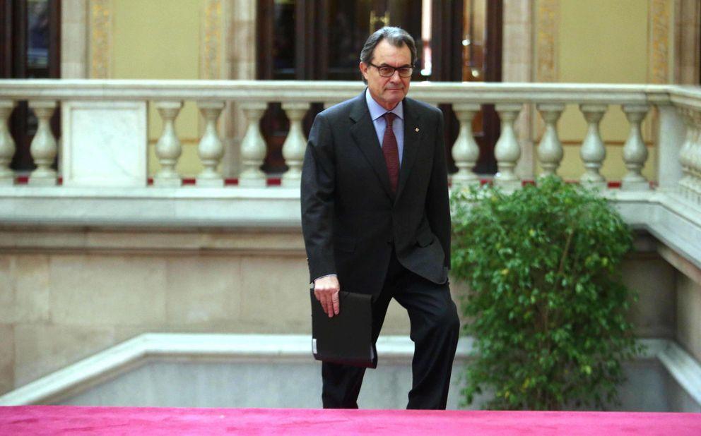 Foto: El presidente de la Generalitat, Artur Mas, a su llegada al Parlament (Efe).