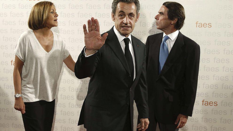 Cospedal responde a la crítica de Aznar cubriéndole de elogios a él y a FAES