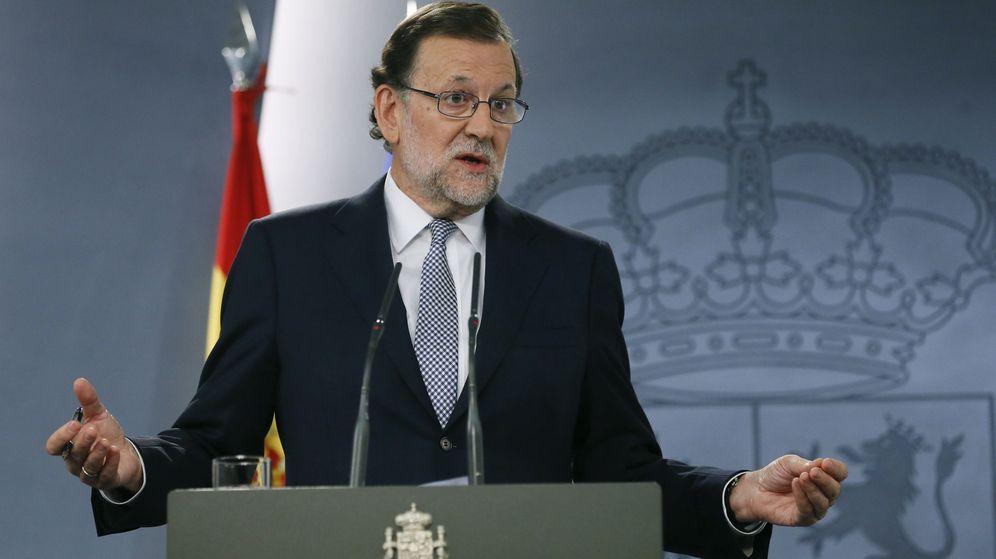 Foto: El presidente del Gobierno en funciones, Mariano Rajoy, durante una rueda de prensaen el Palacio de la Moncloa. (Efe)