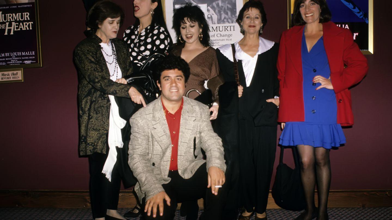 Almodóvar, Chus Lampreave, Rossy de Palma, Loles León, Julieta Serrano y Carmen Maura.