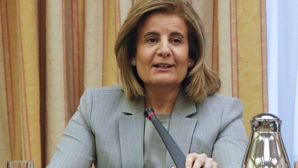 Foto: Fátima Báñez, ministra de Empleo, en una reunión sobre el Pacto de Toledo. (EFE)