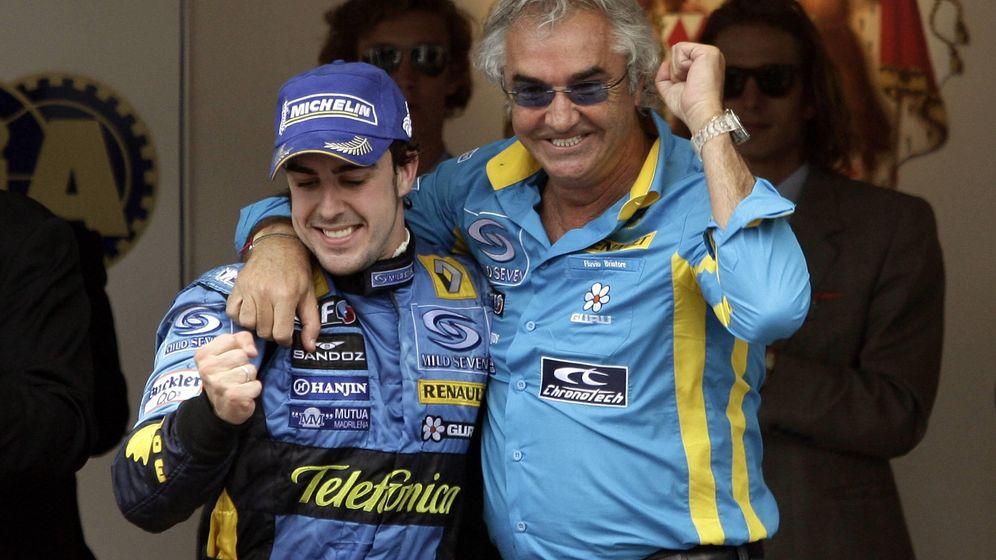 Foto: Fernando Alonso ganó sus dos títulos mundiales con Briatore como jefe de equipo (Imago)