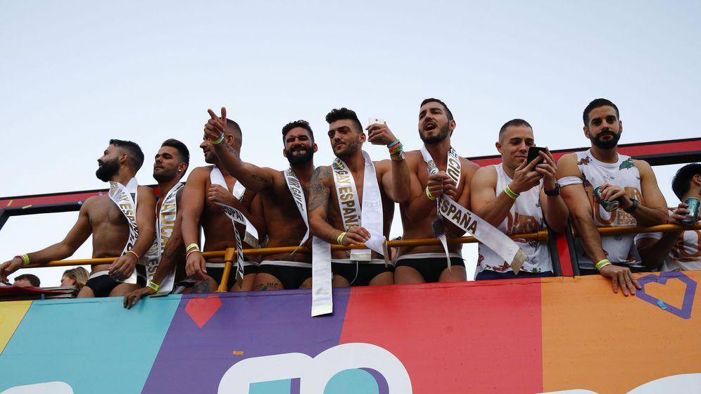 Foto: Carroza con candidatos a Mr. Gay España en el desfile del World Pride 2017. (EFE)