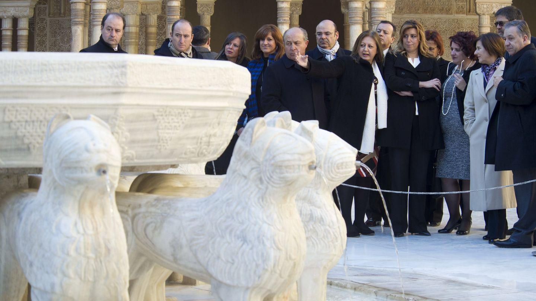 Polémica restauración de los leones de la Alhambra.