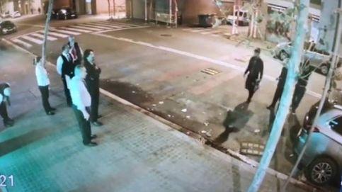 Violenta pelea entre un grupo de jóvenes y los empleados de un conocido restaurante de Barcelona
