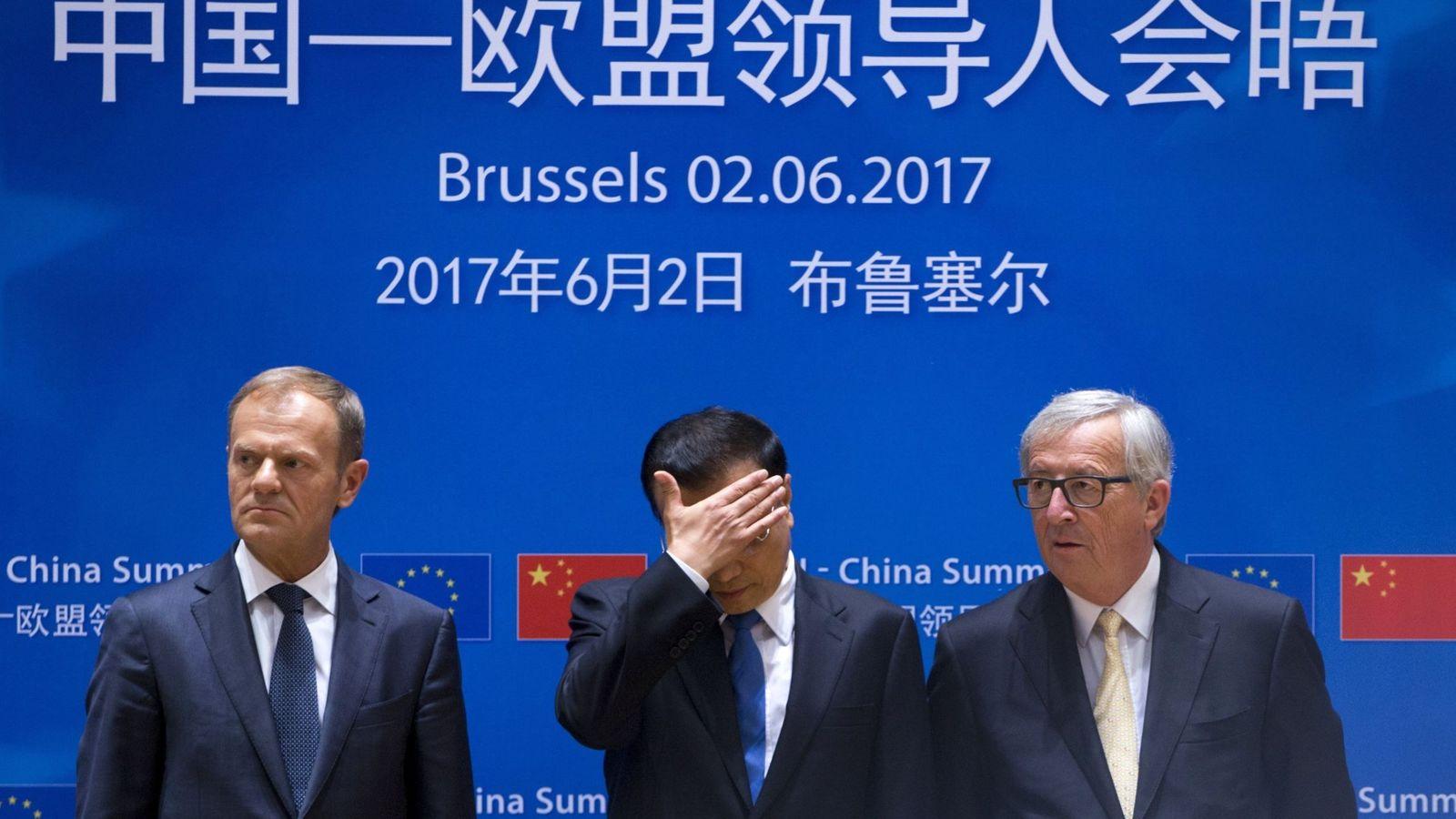 Foto: Jean-Claude Juncker, el presidente del Consejo Europeo, Donald Tusk (i), y el primer ministro chino, Li Keqiang. (EFE)