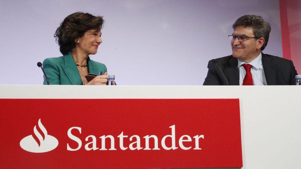 Foto: La presidenta del Santander, Ana Botín, y el consejero delegado, Jose Antonio Álvarez. (EFE)