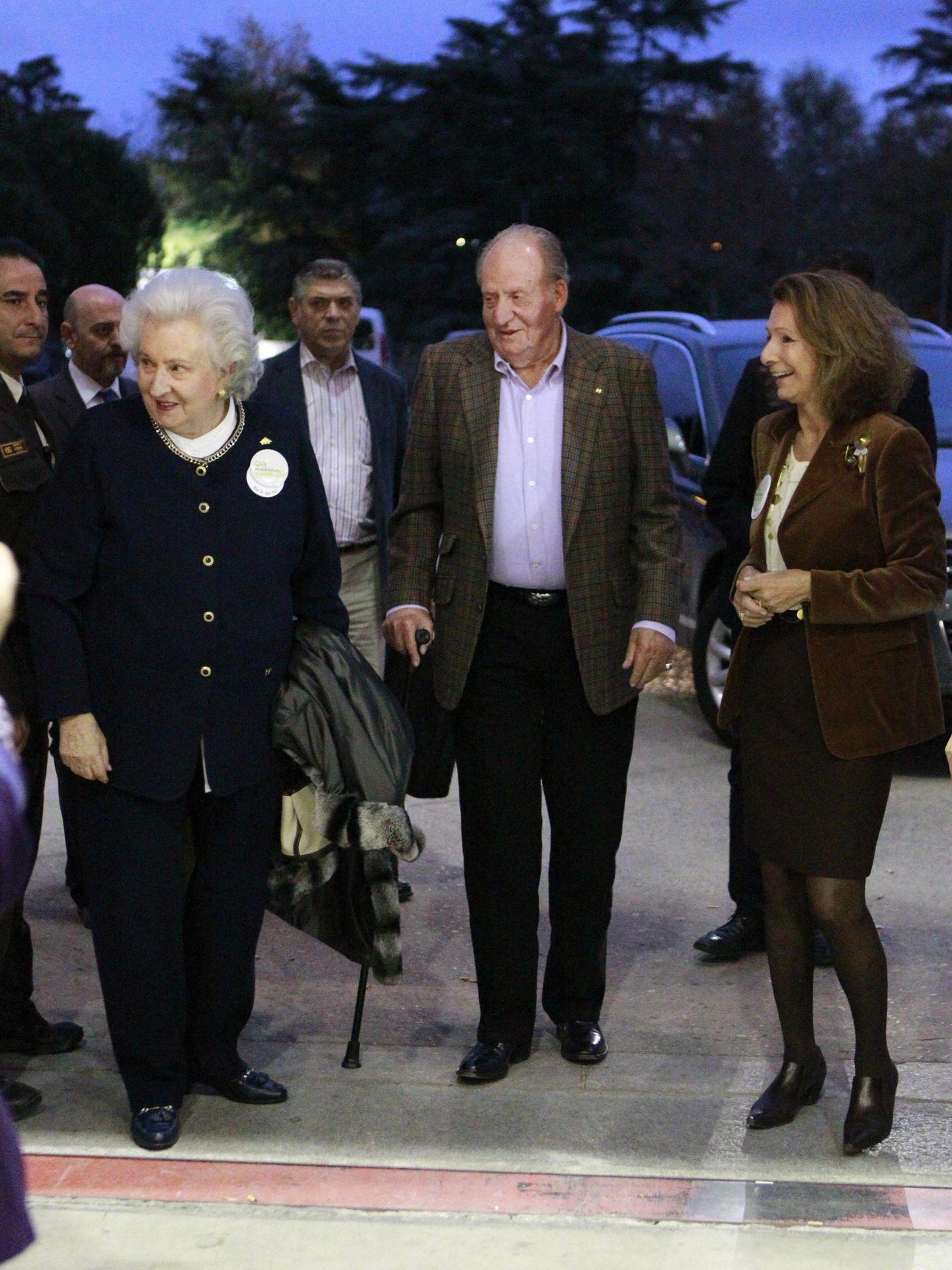 El rey Juan Carlos y la infanta Pilar, en una imagen de archivo. (EFE)