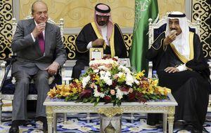Juan Carlos I viaja a Arabia en un momento clave para el AVE