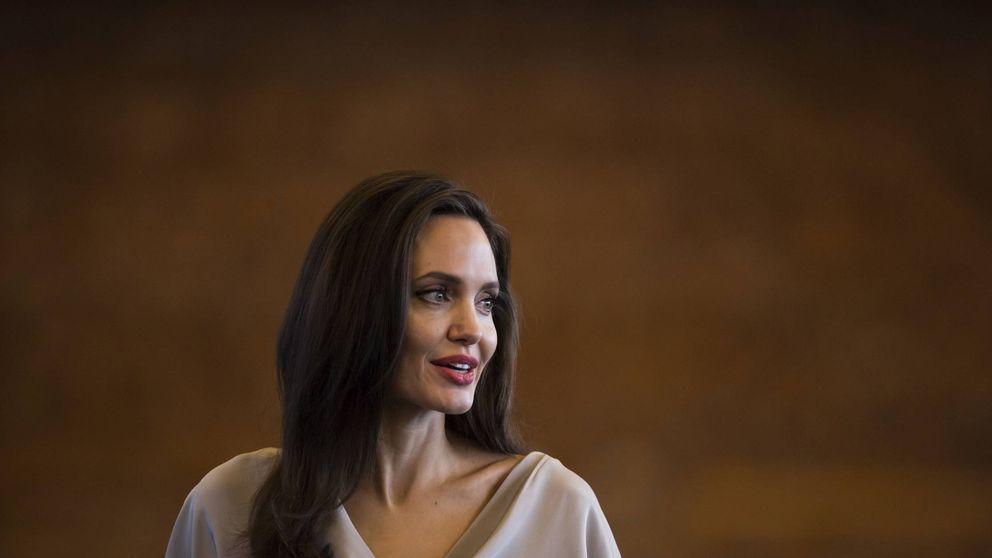 Angelina Jolie confiesa que sufrió parálisis facial tras su divorcio
