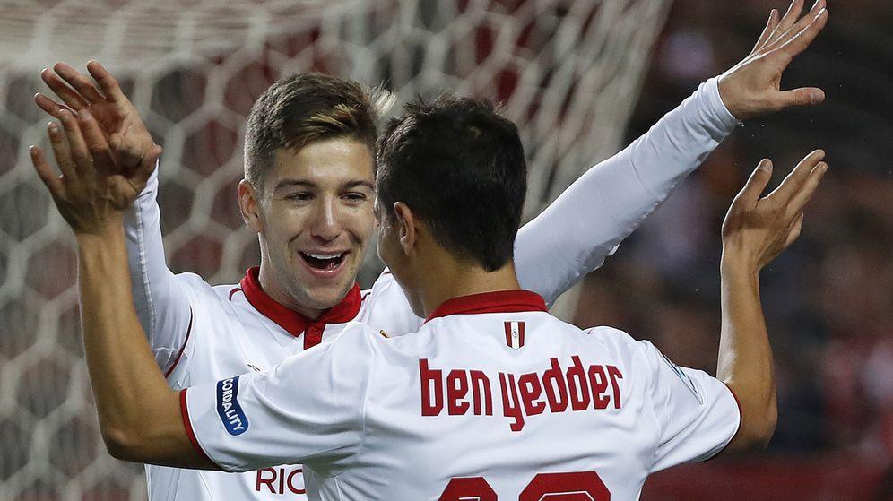 Foto: Vietto y Ben Yedder marcaron tres goles cada uno al Formentera en el Pizjuán. (EFE)
