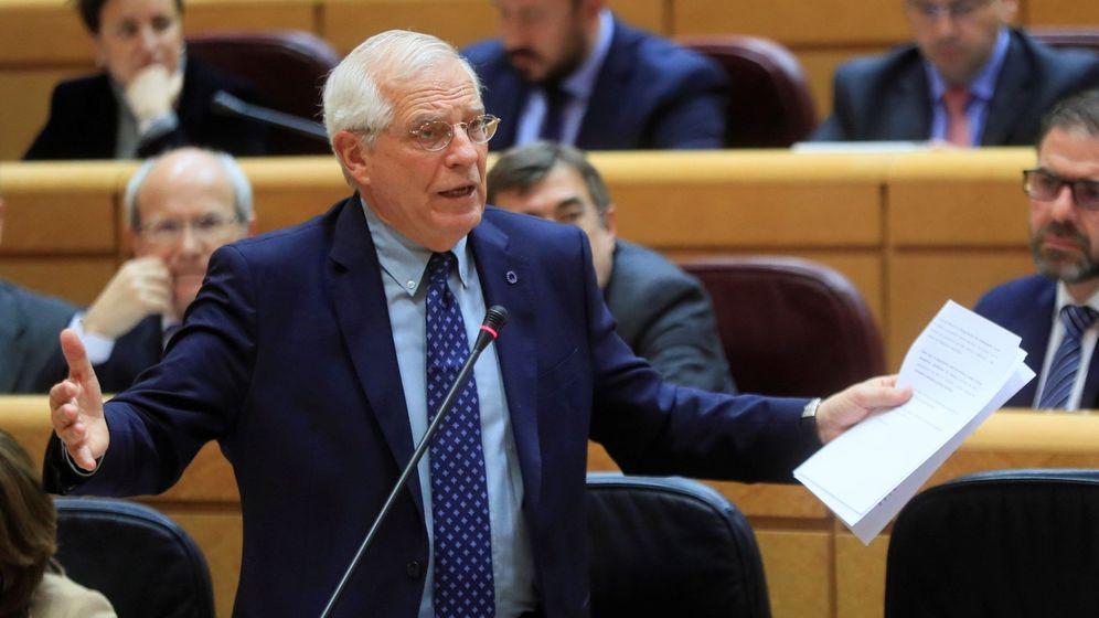 Foto: Josep Borrell, durante la sesión de control al Gobierno en el Senado, este martes. (EFE)