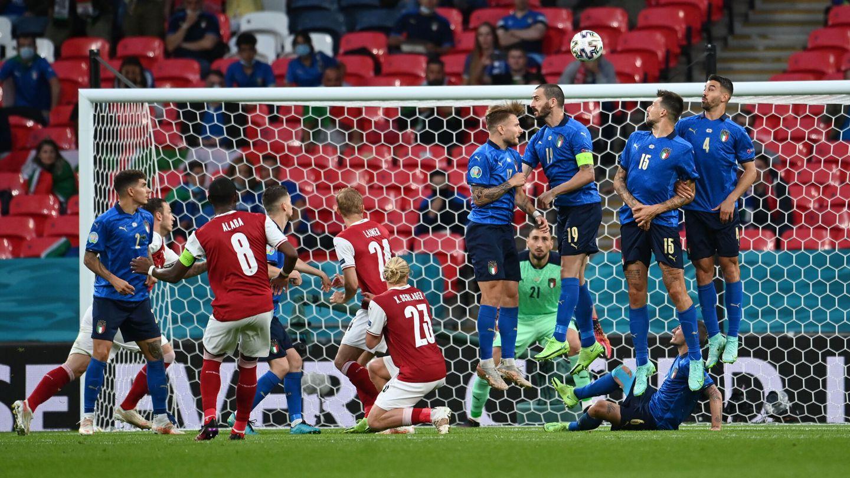 David Alaba estuvo muy cerca del gol. (Reuters)