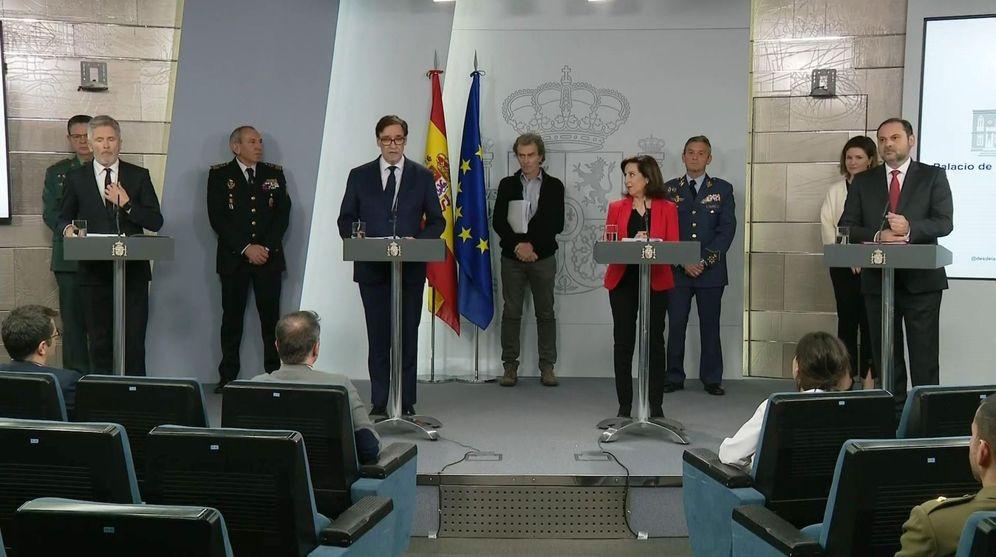 Foto: Los ministros Fernando Grande-Marlaska, Salvador Illa, Margarita Robles y José Luis Ábalos, este 15 de marzo en la Moncloa. (EFE)