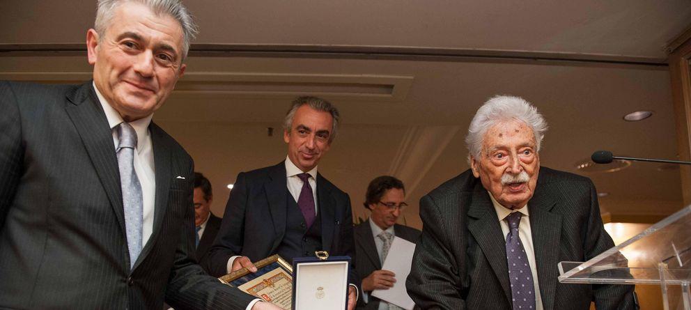 Foto: José Barea a la derecha, con muletas