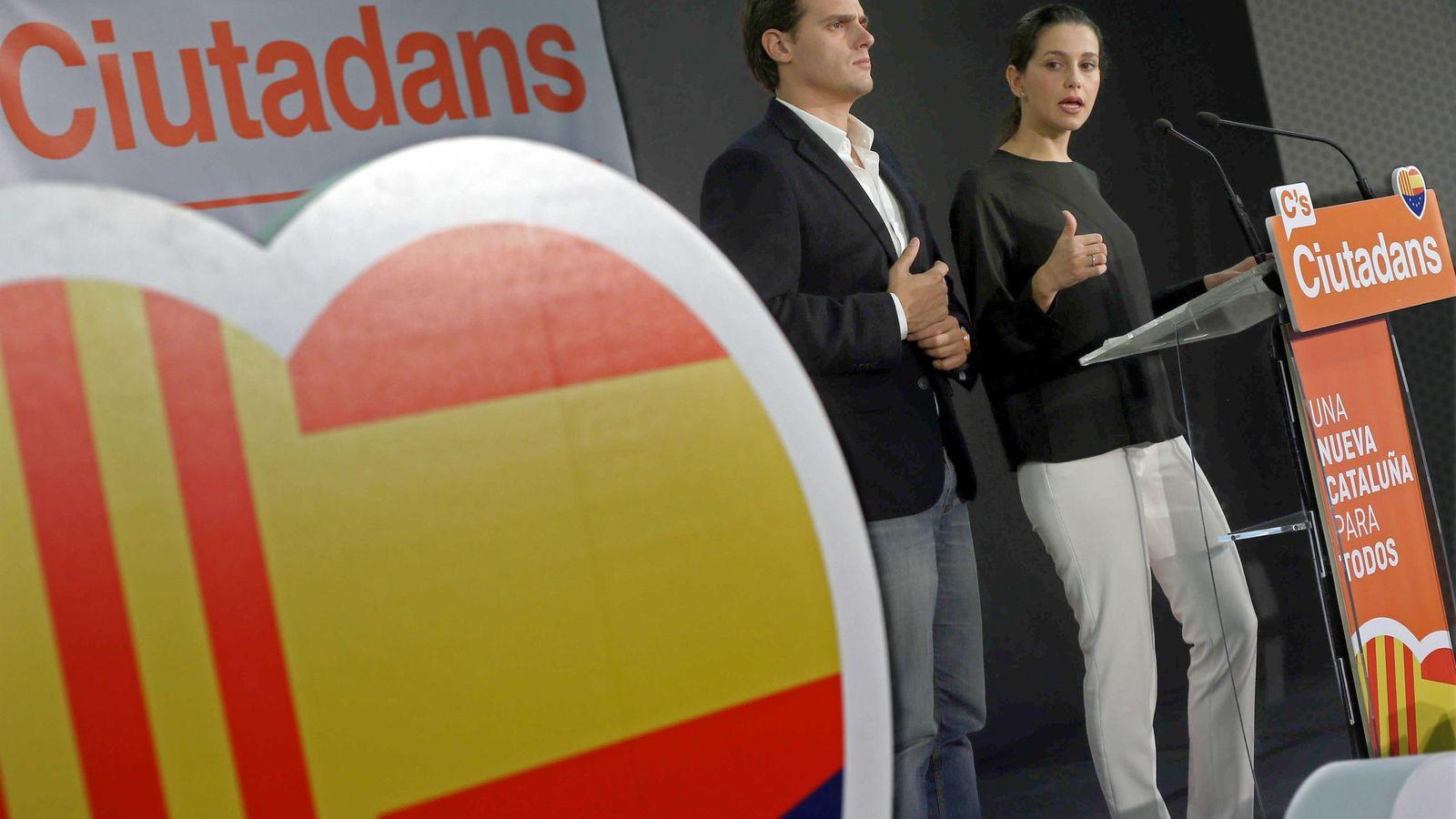 Foto: La candidata de Ciudadanos a la presidencia de la Generalitat, Inés Arrimadas, y el presidente del partido, Albert Rivera, durante la rueda de prensa del 28-S. (EFE)