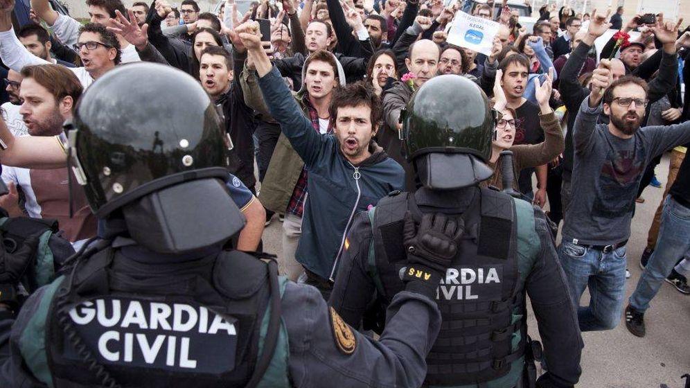 Foto: Intervención de la Guardia Civil (EFE)