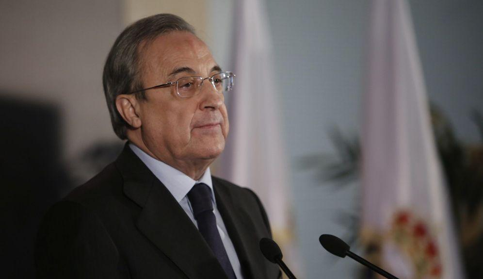 Foto: Florentino Pérez medita acometer una gran revolución en la plantilla, pero depende de la obtención de la cautelar tras la sanción de la FIFA (Cordon Press)