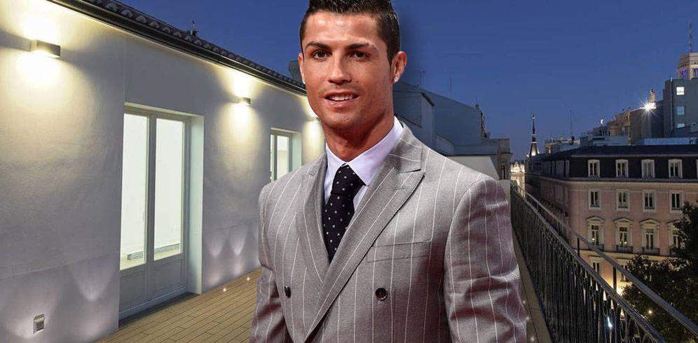 Foto: Ronaldo y el ático en la calle Barquillo 12. (Vanitatis)